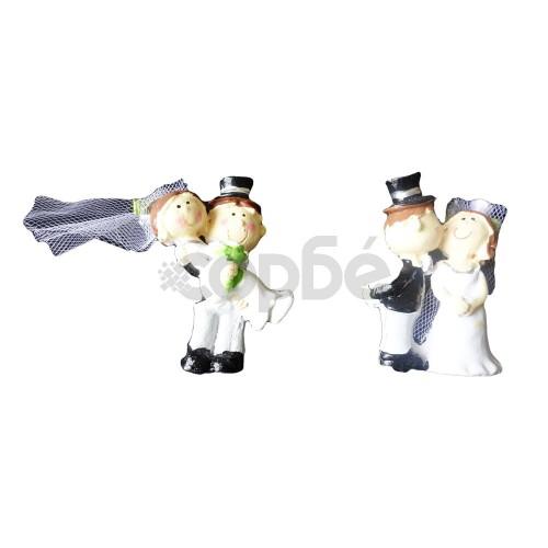 Сватбени фигурки подаръчни младоженци